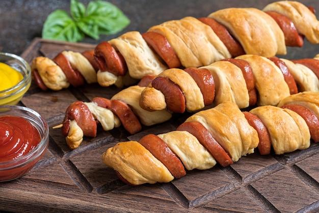 Hot dogs tornado ze spiralą