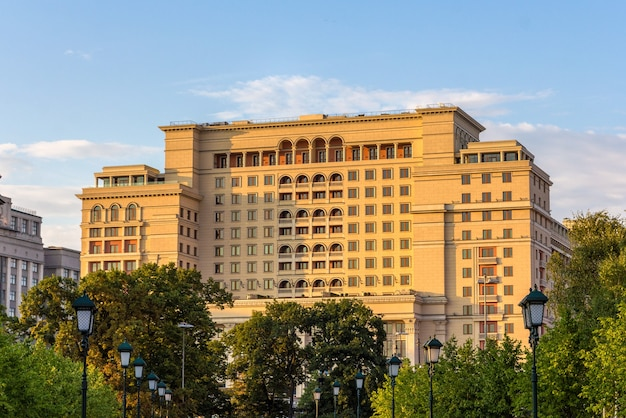 Hotel moskva na placu manezhnaya w moskwie, rosja