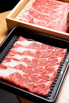 Hotpot japońskie jedzenie z wołowiną wagyu
