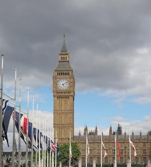 Houses of parliament aka westminster palace w londynie, wielka brytania