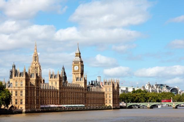 Houses of parliament z westminster bridge
