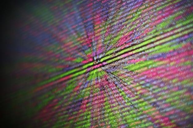 Html5 w edytorze do tworzenia stron internetowych. kod html witryny na laptopie wyświetlacz zbliżenie zdjęcie. nowoczesna technologia. innowacyjny projekt startupowy.