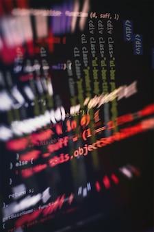 Html5 w edytorze do tworzenia stron internetowych. strona internetowa kod html na laptopie wyświetlacz zbliżenie zdjęcie.