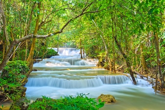 Huai Mae Khamin wodospad w Kanchanaburi