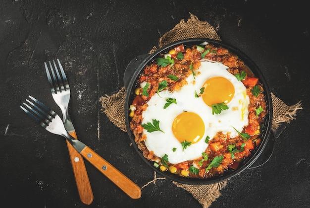 Huevos rancheros, meksykańskie jedzenie