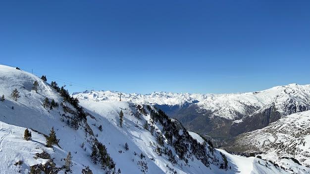 Idealny wiosenny dzień na nartach