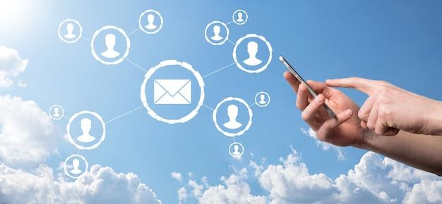 Ikona e-mail i użytkownika, znak, koncepcja marketingu symboli lub biuletynów, schemat.
