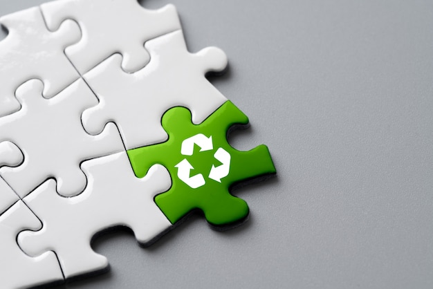 Ikona recyklingu w układance dla eco i green