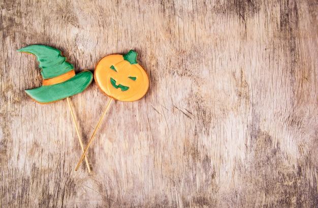Imbirowe ciastka na halloween, świąteczne tło na halloween