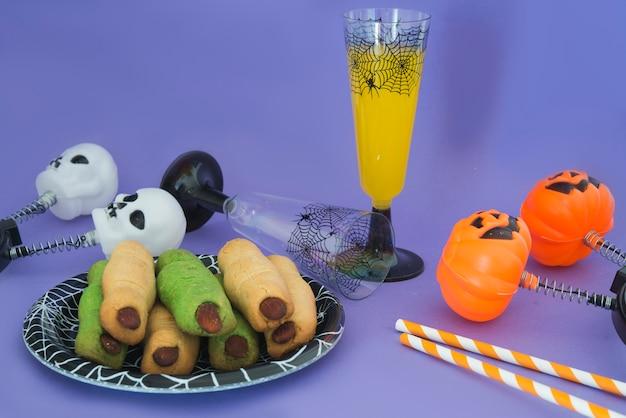 Impreza z jedzeniem i piciem na halloween