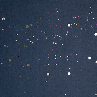 Imprezowe konfetti świąteczne niebieskie tło