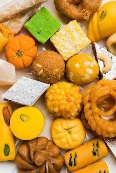 Indyjska słodka lub mithai odmiana na festiwal diwali