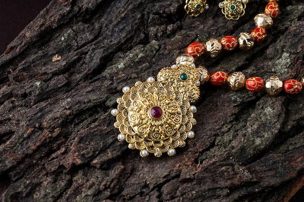 Indyjska tradycyjna biżuteria