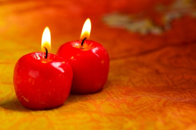 Indyjski Festiwal Diwali, świecąca świeca W Kształcie Jabłka Premium Zdjęcia