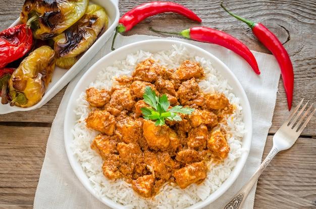 Indyjski maślany kurczak