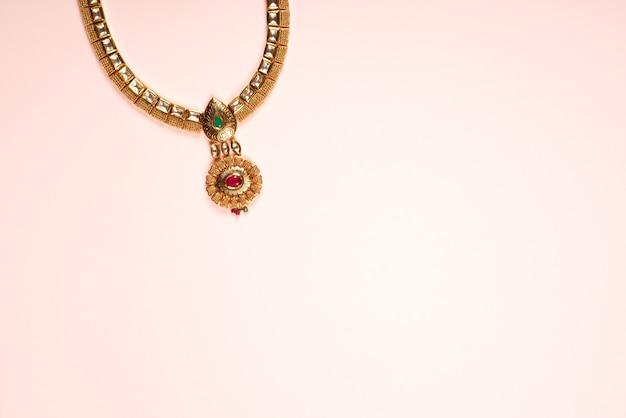 Indyjski projekt biżuterii naszyjnik w kolorze różowym