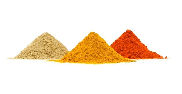 Indyjski sterty kolorowych przypraw