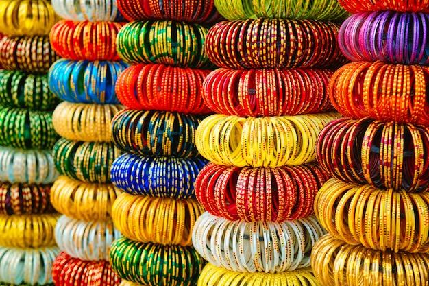 Indyjskie bransoletki w sklepie