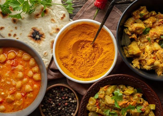 Indyjskie Pyszne Jedzenie Leżało Płasko Darmowe Zdjęcia