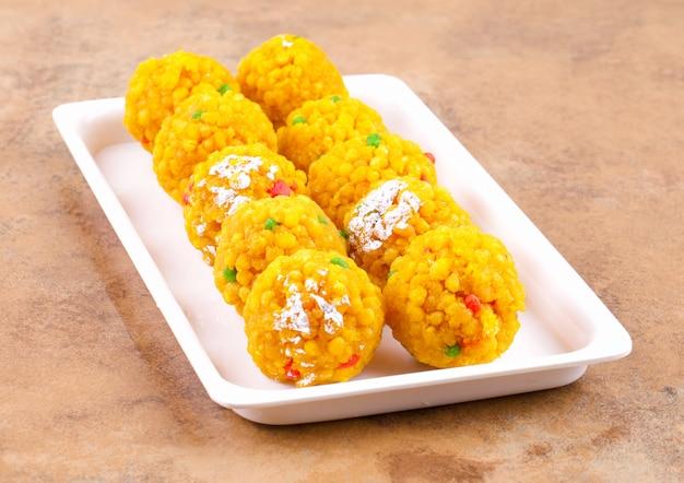 Indyjskie słodkie jedzenie laddu