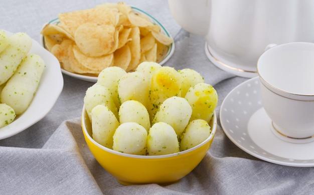 Indyjskie tradycyjne słodkie jedzenie długie rasgulla