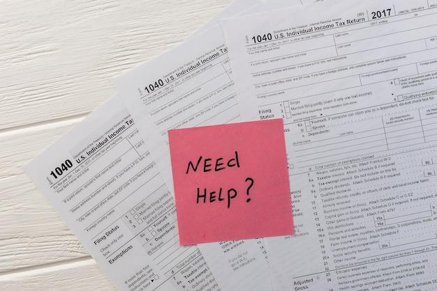 """Indywidualny formularz podatkowy z tekstem """"potrzebuję pomocy"""""""