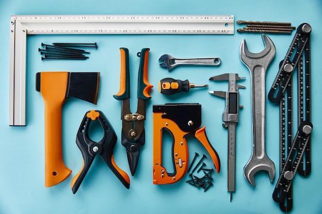 Instrument profesjonalnych warsztatów, widok zbliżenie. narzędzia stolarskie, sprzęt budowlany lub stolarski,