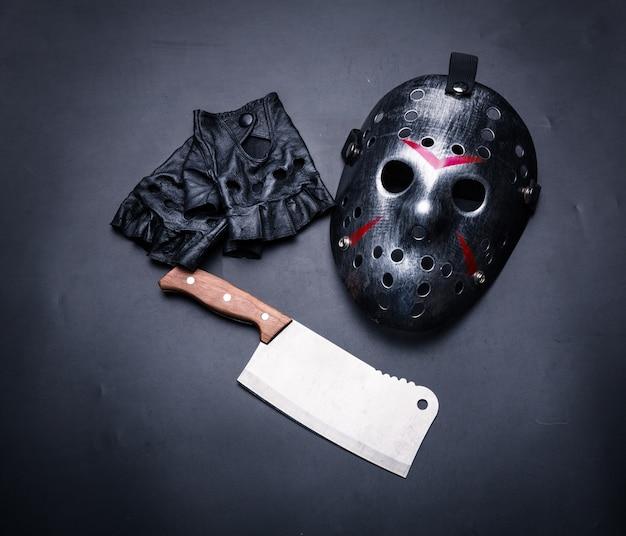 Instrumenty człowiek psycho na czarnym tle