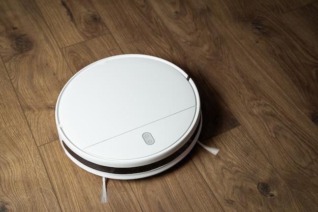 Inteligentna zrobotyzowana automatyczna bezprzewodowa biała maszyna do czyszczenia mieszkania