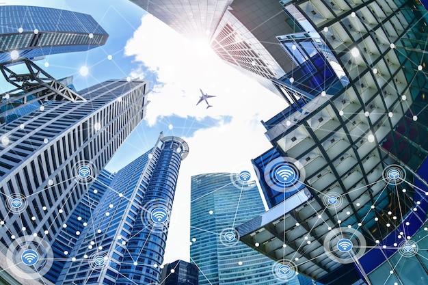 Inteligentne miasto i bezprzewodowa sieć komunikacyjna na wieżowcach centralna dzielnica biznesowa w singapurze