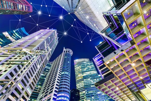 Inteligentne miasto i bezprzewodowa sieć komunikacyjna na wieżowcach w singapurze