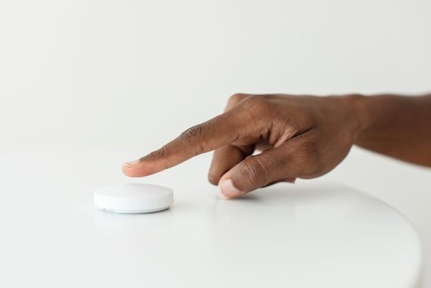Inteligentny głośnik do sterowania domem z innowacyjną technologią