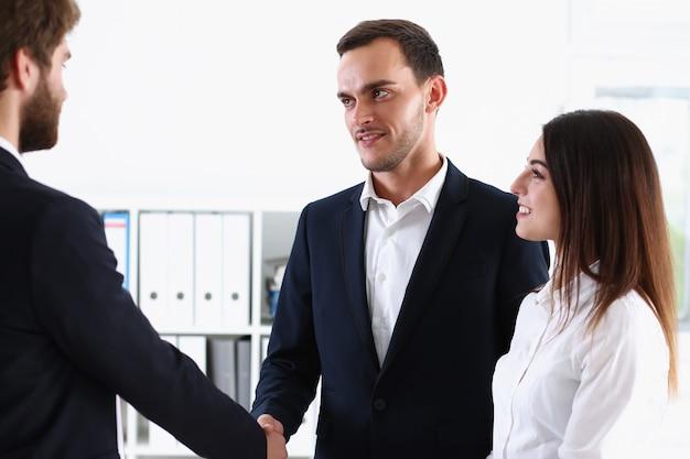 Interpretator usługi towarzyskiej działa z transakcją