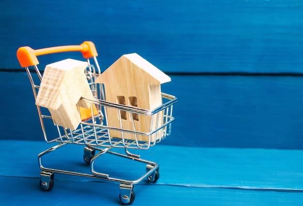 Inwestycje w nieruchomości i koncepcja finansowania hipotecznego domu. kupowanie, wynajmowanie i sprzedaż mieszkań.