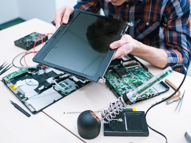 Inżynier sieci administrator systemu. naprawa i serwis sprzętu komputerowego