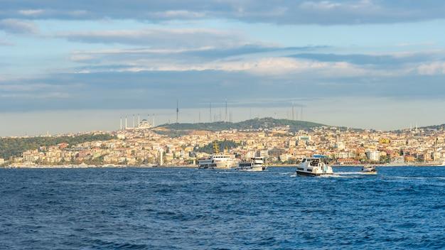 Istanbuł miasta linia horyzontu w istanbuł mieście, turcja