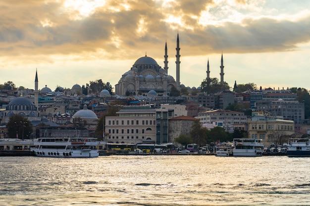 Istanbuł pejzażu miejskiego linia horyzontu w istanbuł mieście, turcja