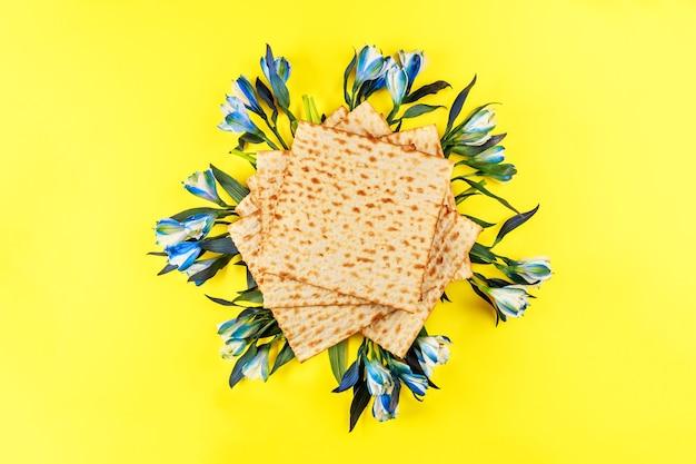 Izraelski chleb macowy na żydowskie święto pesach