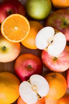 Jabłka i pomarańcza