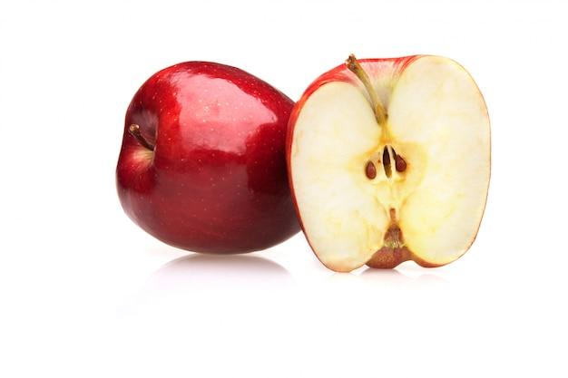 Jabłko odizolowywał przyrodniego czerwonego cały
