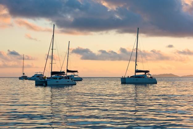 Jachty rekreacyjne na oceanie indyjskim