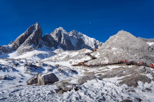 Jade dragon snow mountain w lijiang