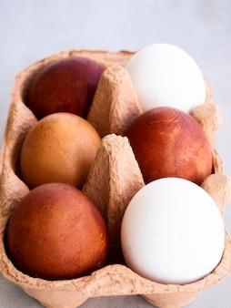 Jajka pod dużym kątem w szalunku