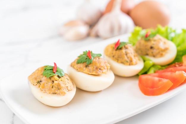 Jajko gotowane z mieloną wieprzowiną
