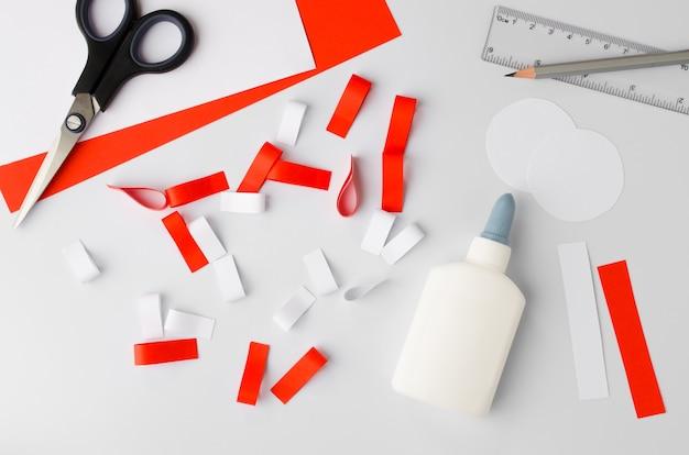 Jak zrobić polski papierowy kotylion w domu krok po kroku instrukcja krok narodowy symbol polski
