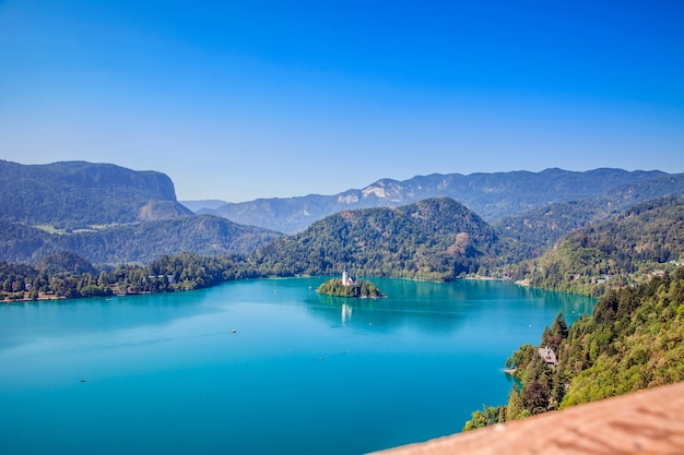Jaki piękny kolor jeziora