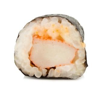 Japońska kuchnia sushi. pojedynczy. jeden. na białym tle.