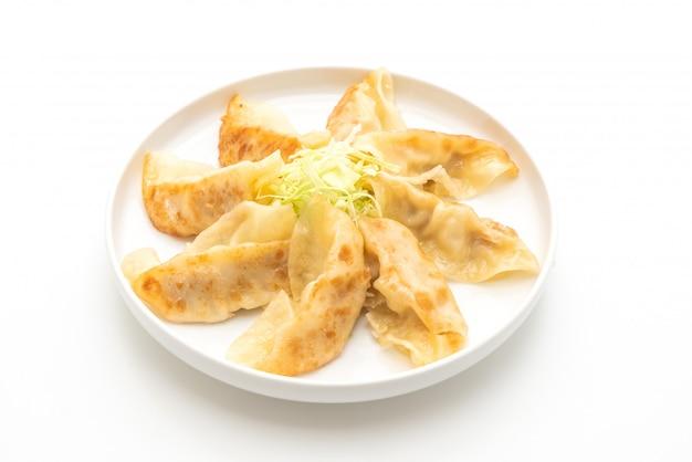 Japońska przekąska gyoza lub pierogi