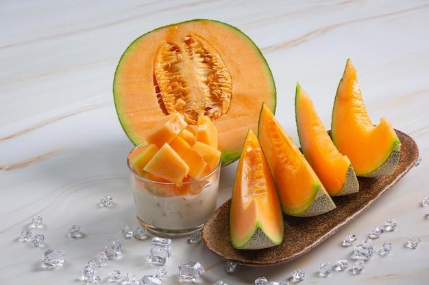 Japoński melon lub kantalup, kantalup, sezonowa owoc, zdrowia pojęcie.