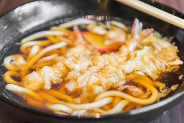 Japoński udon tempura